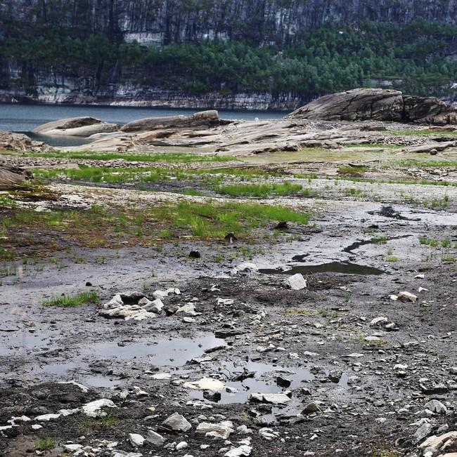 Lite vatn i Kvitingsvatnet i Hordaland