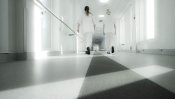 Sykehuset Østfold må komme i økonomisk balanse i 2016. Det skriver sykehusledelsen etter at det foreløpige regnskapet viser et underskudd på over 300 millioner i fjor. Blant annet ble flyttingen til Kalnes 100 millioner kroner dyrere enn antatt.