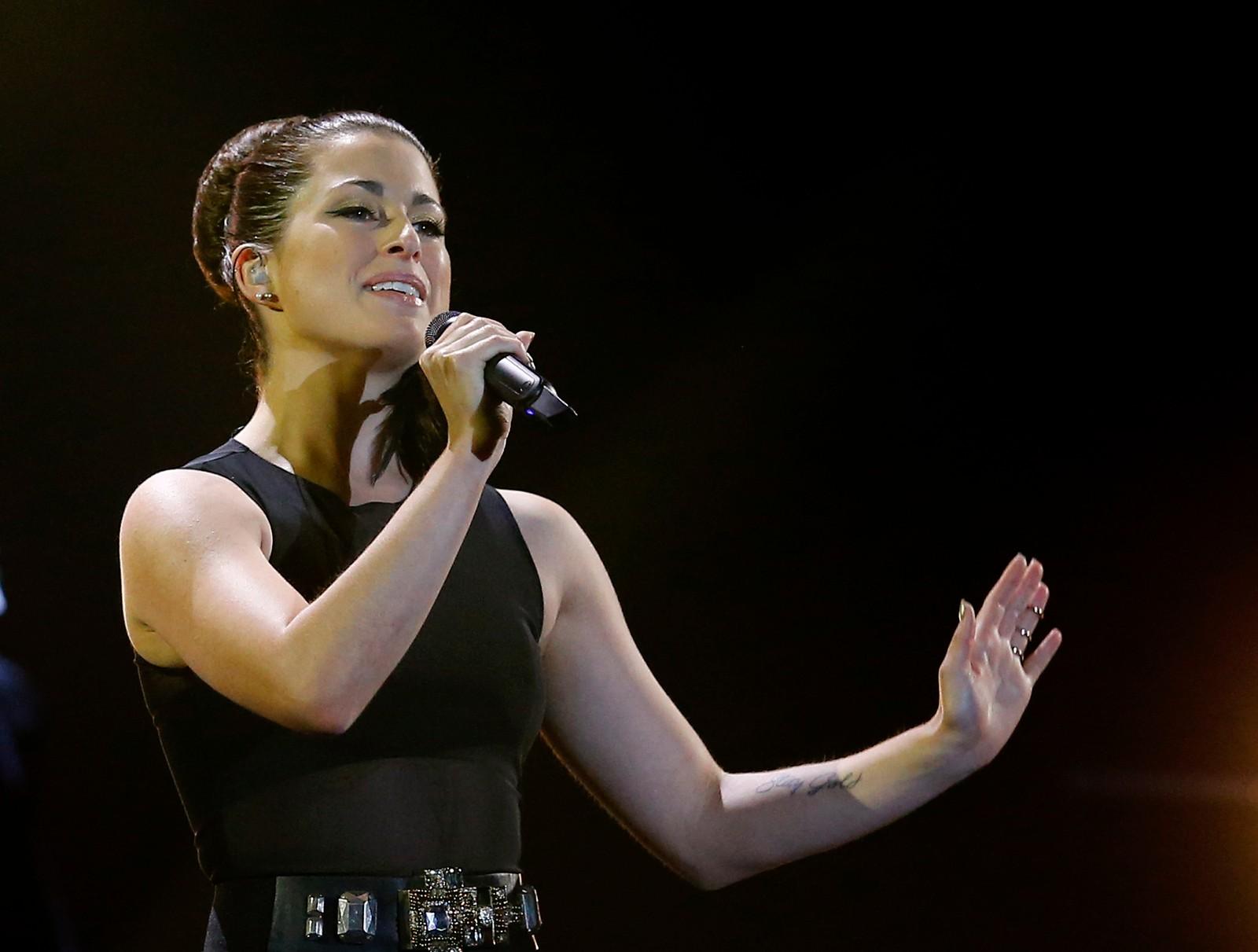 17. TYSKLAND: 24 år gamle Ann Sophie kom egentlig på andreplass under den tyske finalen, men da tildigere The Voice-vinner Andreas Kümmert trakk seg, ble hun med videre med låta «Black Smoke».