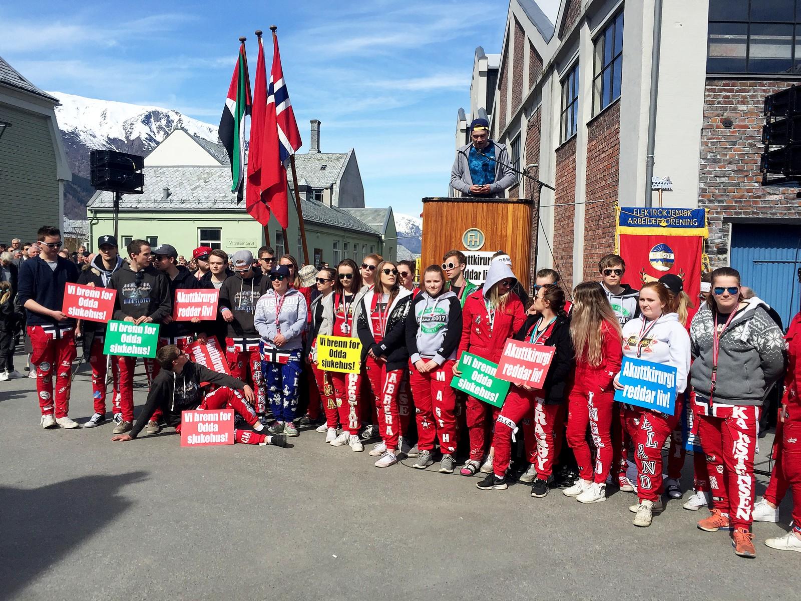 Russen i Odda protesterer mot nedlegging av akuttkirurgien.