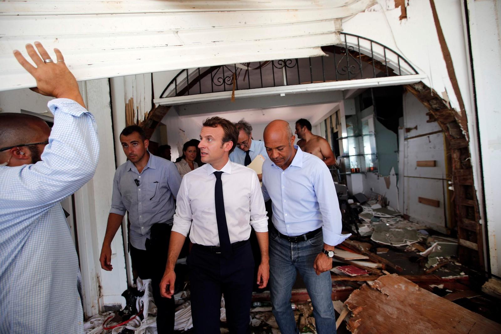 Den franske presidenten Emmanuel Macron besøkte den karibiske øya St. Martin på tirsdag.