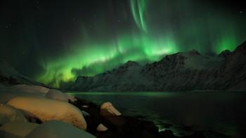 Nordlys i Ersfjord på Kvaløya