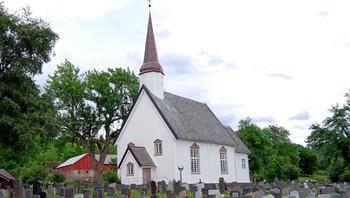 Leksvik kirke