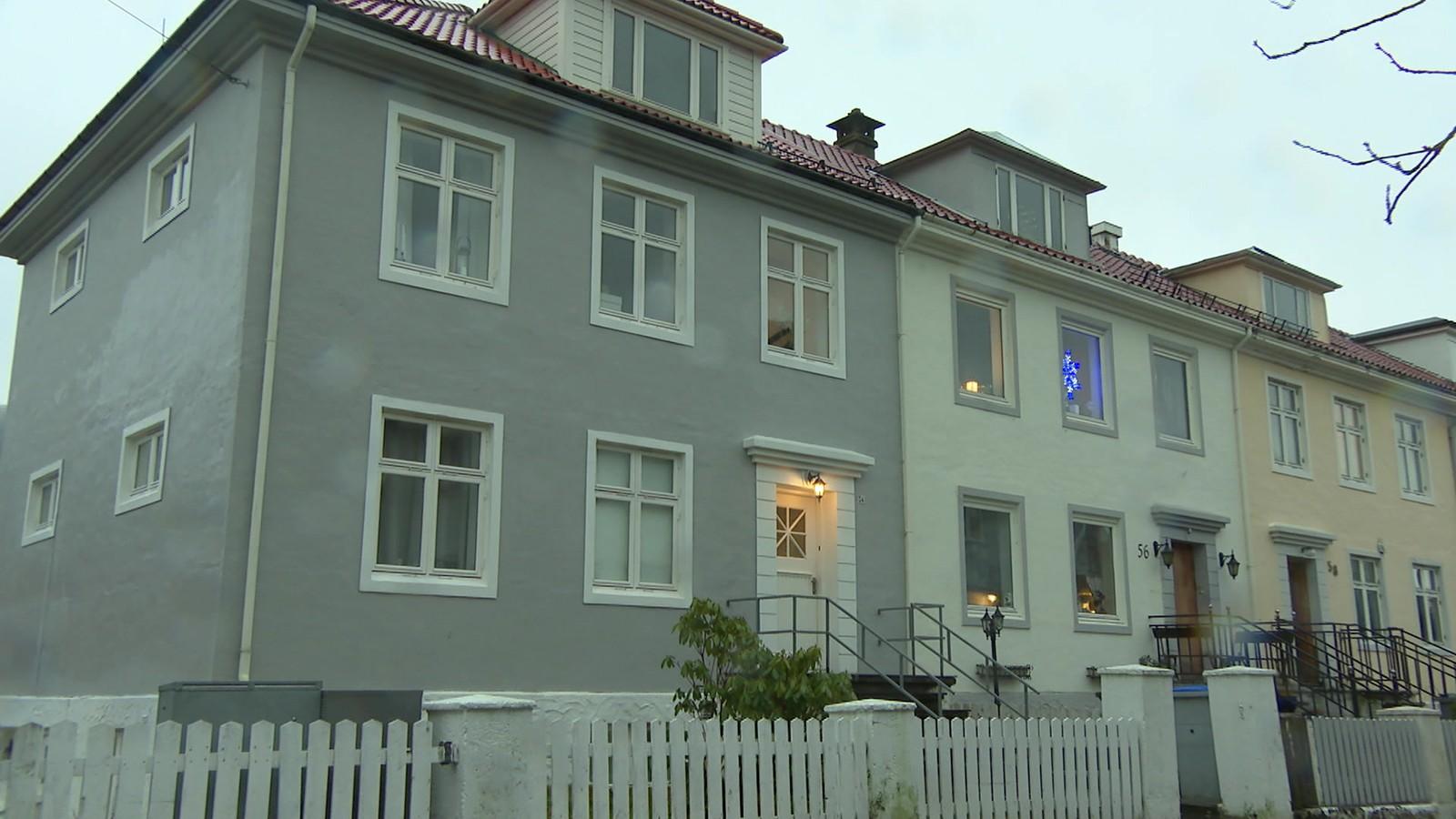 Fargeløse hus.