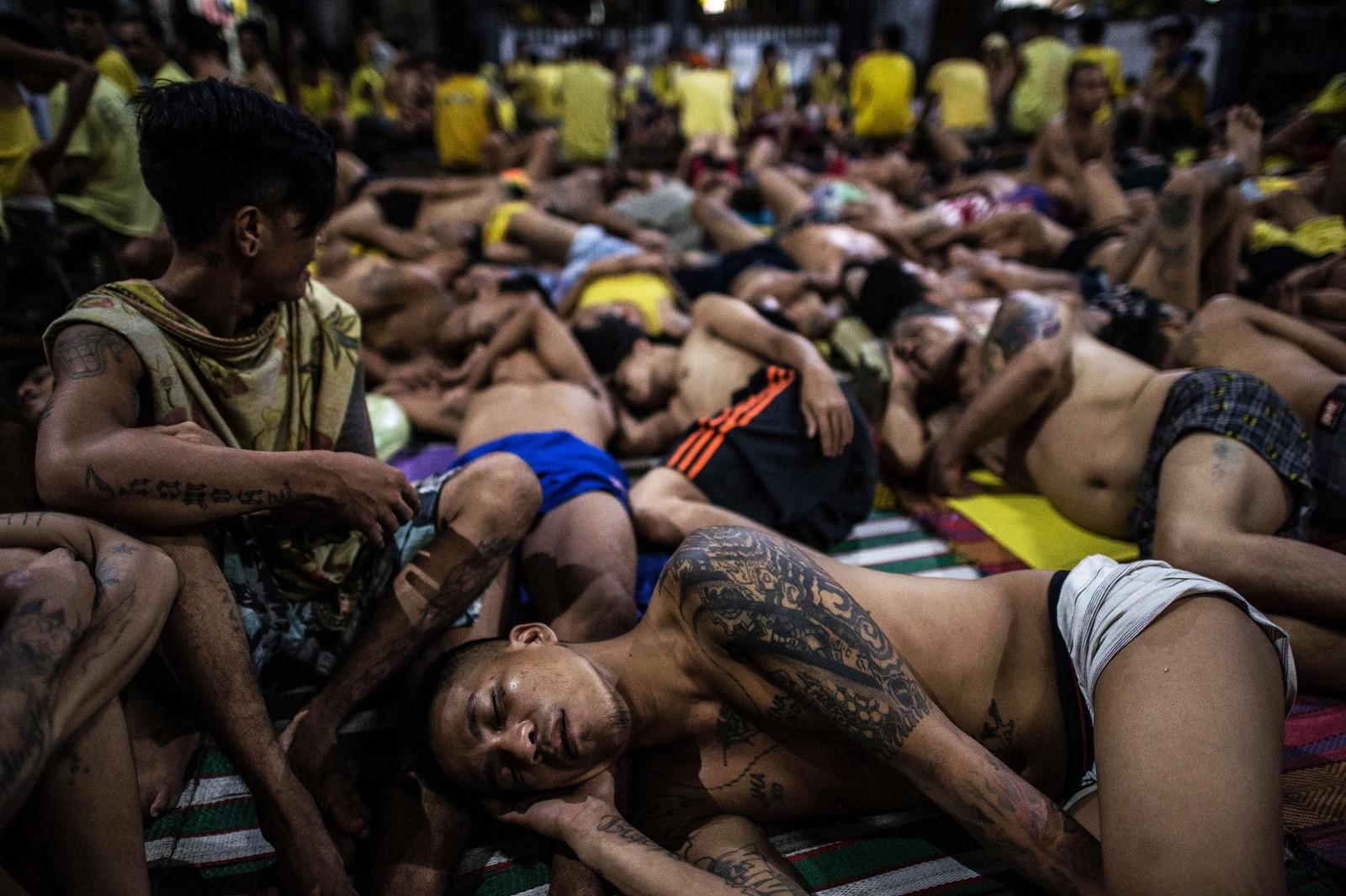 De trange boforholdene gjør at mange av fangene i Quezon City-fengselet har tuberkulose.