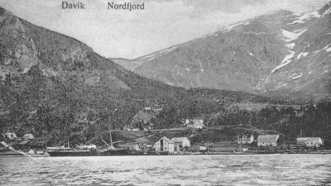 Davik ca. 1910. Ukjend fotograf. Eigar: Fylkesarkivet i Sogn og Fjordane.