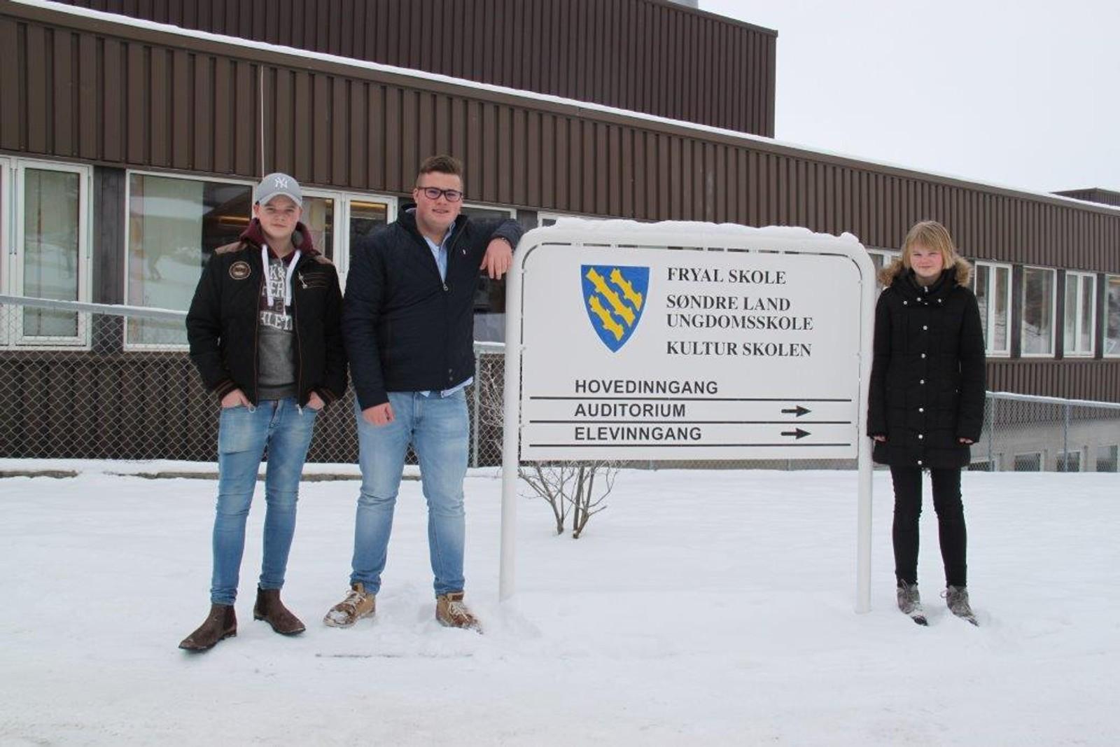Håkon Skaugrud, Sander Vestby og Tyra Johanne Sand Snipstad fra Søndre Land ungdomsskole.