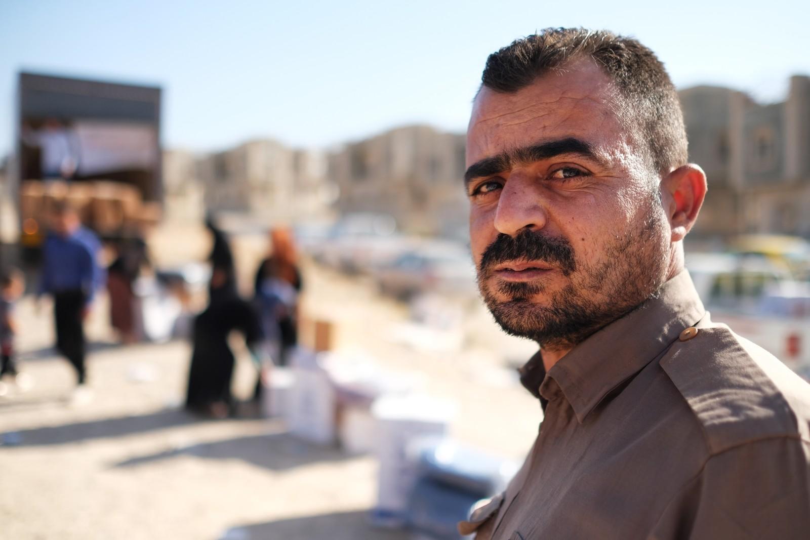 – Jeg gråter ikke for meg selv, jeg gråter for Kirkuk, sier Jalal. Han kjempet mot irakerne i Kirkuk som peshmerga, men måtte rømme da de tapte kampen om byen.