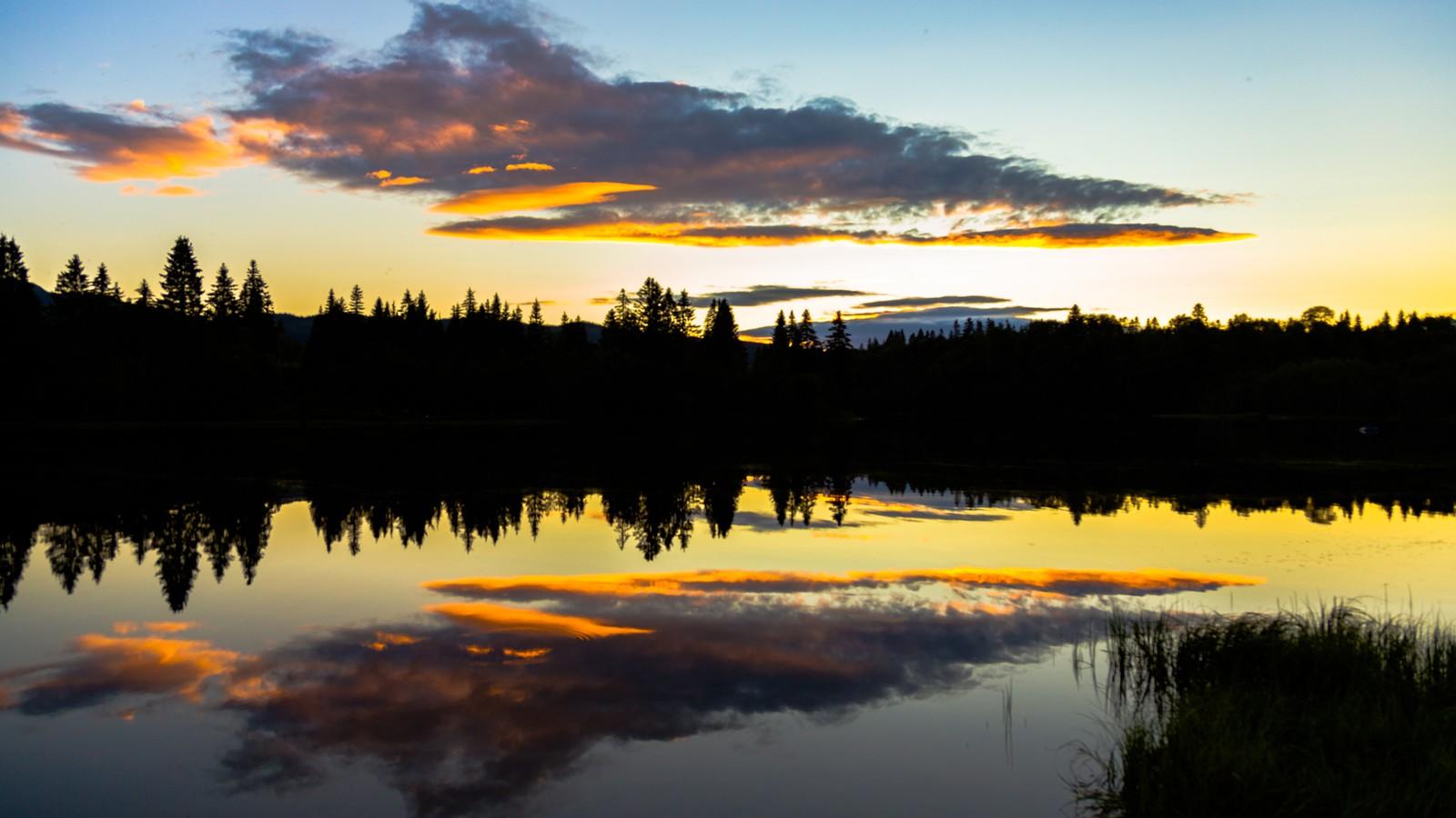 Solnedgang over Nidelva i Klæbu