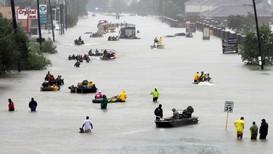 VÅTT: Orkanen «Harvey» sakket farten og slapp enorme mengder over Houston i Texas i fjor sommer. Slik blir det mer av, mener forskere.