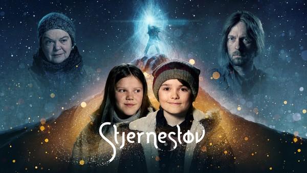 Foreldrene blir skilt og Jo må flytte til et nytt sted. En dag slukker Nordstjerna, og Jo oppdager at det bor ei jente med magiske krefter på loftet.