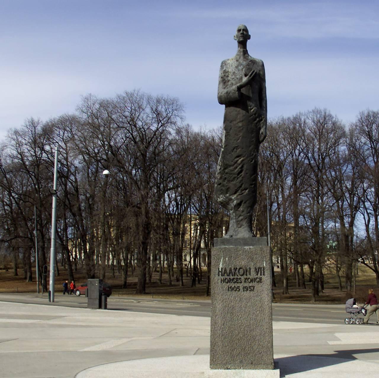 Kong Haakon-statue