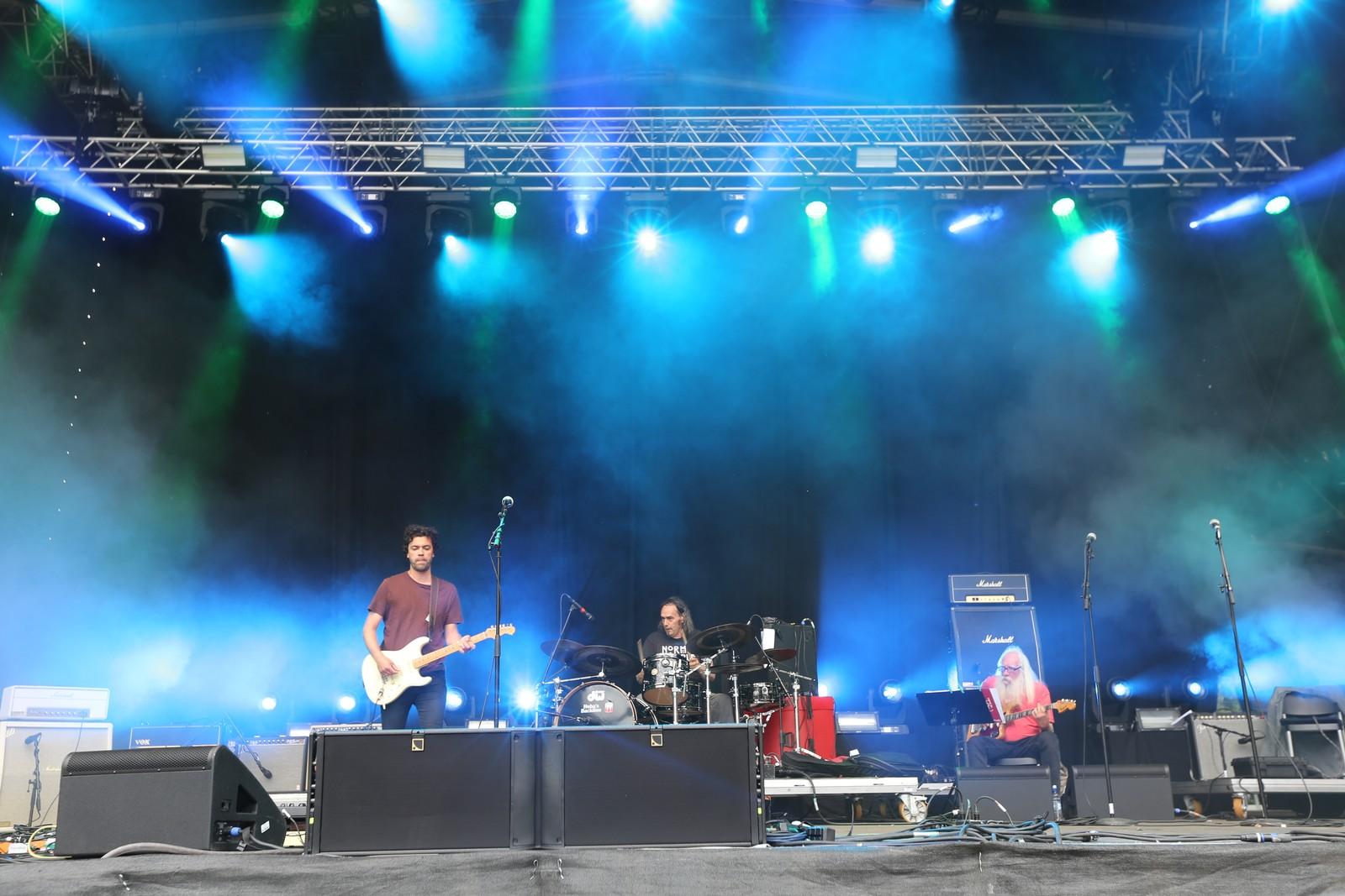 Heidrer Hendrix med «Love Or Confusion». F.v. Kjetil Grande, Paolo Vinaccia og Sveinung Hovensjø.