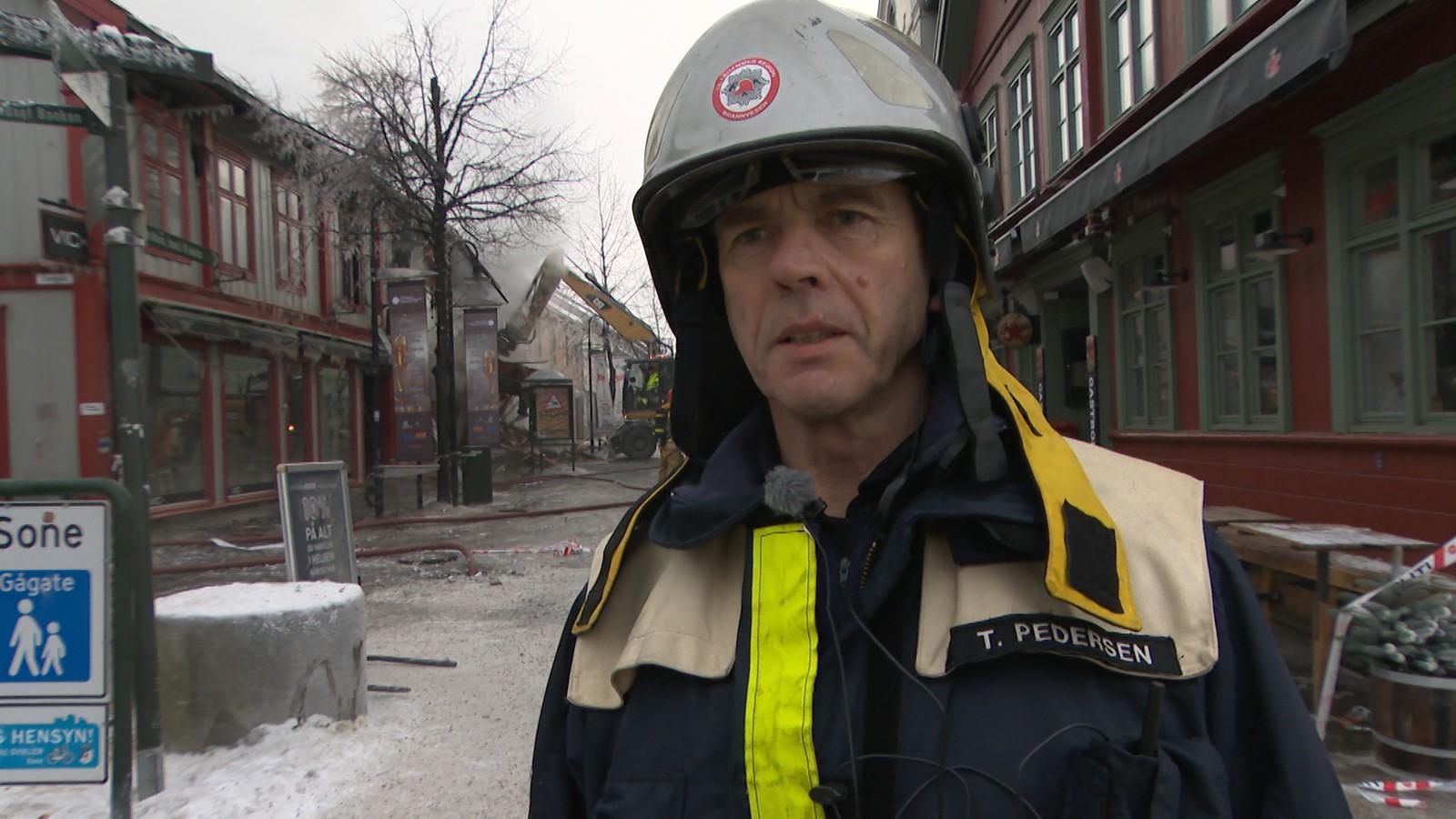 JOBBET I NATT: Trond Pedersen i Lillehammer brannvesen.