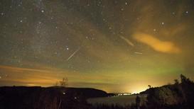 Geminidene er et årlig fenomen som synes i midten av desember, her fra Saltdal, et tidligere år.