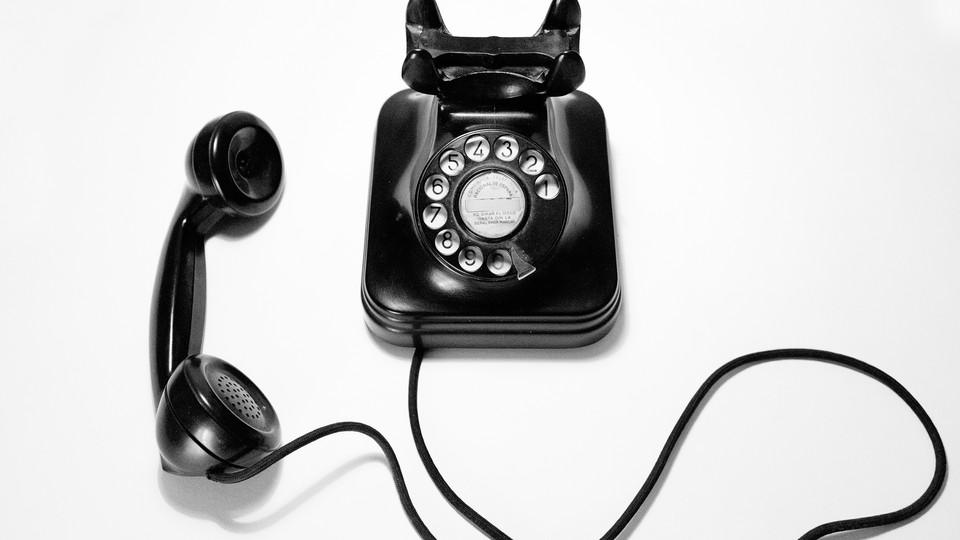 Unnskyld, kan jeg få låne telefonen?