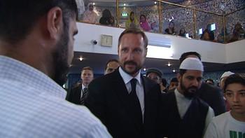 Video Kronprins Haakon på minnemarkering i moske