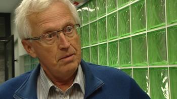 Tidligere leder i Stavanger Turistforening Kjell Helle-Olsen sier han aldri tidligere har hørt om at noen har falt utenfor Preikestolen.