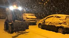 Brøytebil måker i snøværet onsdagmorgen - Foto: Kaja Figenschou/NRK