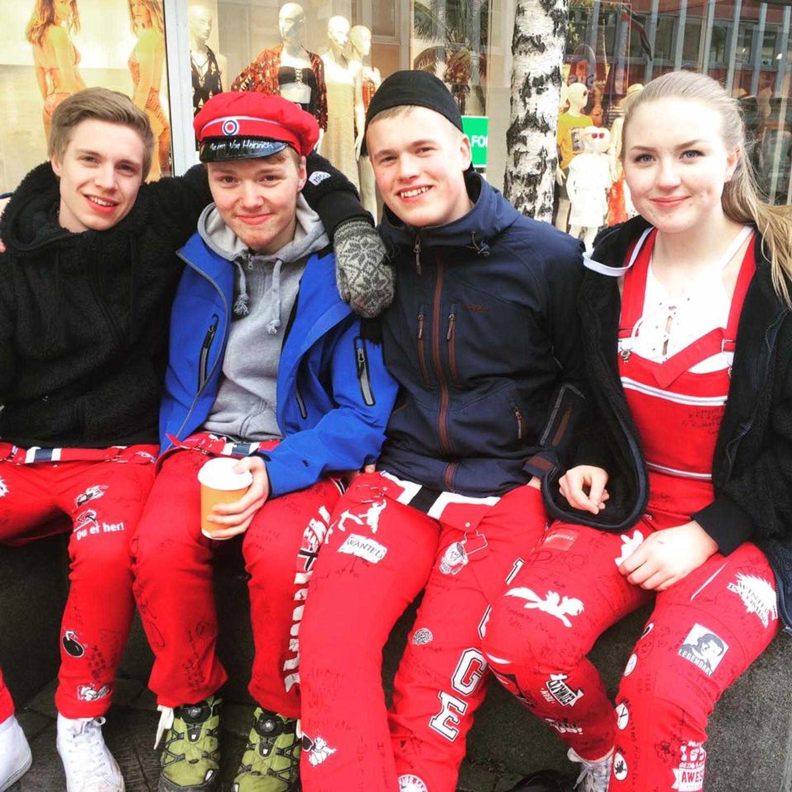 Noe slitne, ingen søvn og veldig sultne; Eivind, Henrik, Jens og Agnete ved Kongsbakken videregående skole i Tromsø kom seg likevel helskinnet gjennom den siste russenatten.