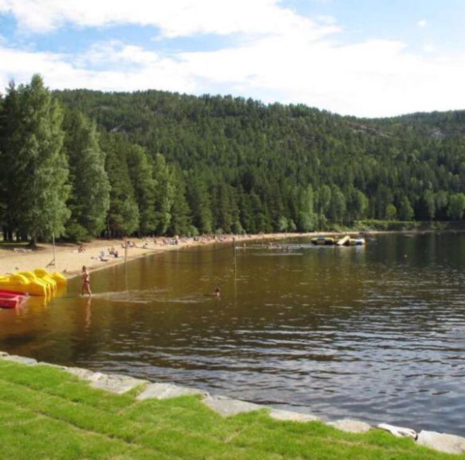 TELNESSANDEN CAMPING I SELJORD: Telnessanden camping i Seljord er fylkets flotteste badeplass, mener Hanne Norgaard.