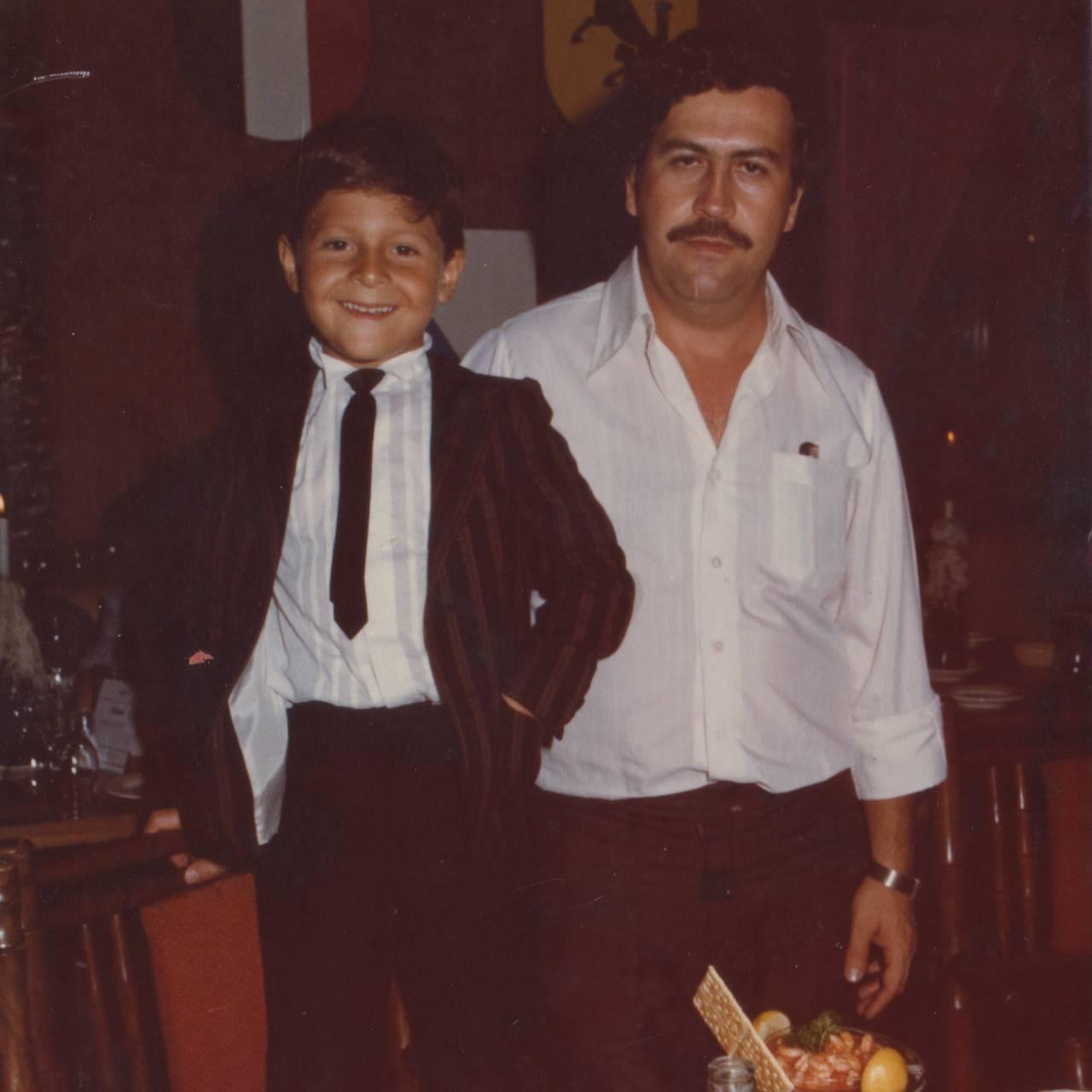 Sønn og far under bursdagsfeiring. (Sønn Juan Pablo husker ikke hvilket år dette er fra.)