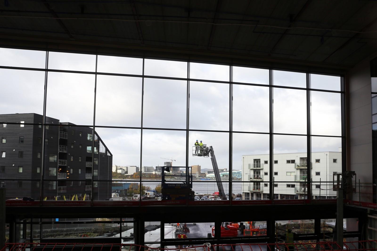 Utsikten fra innsiden bygget til Kunst- og designhøgskolen i Bergen.