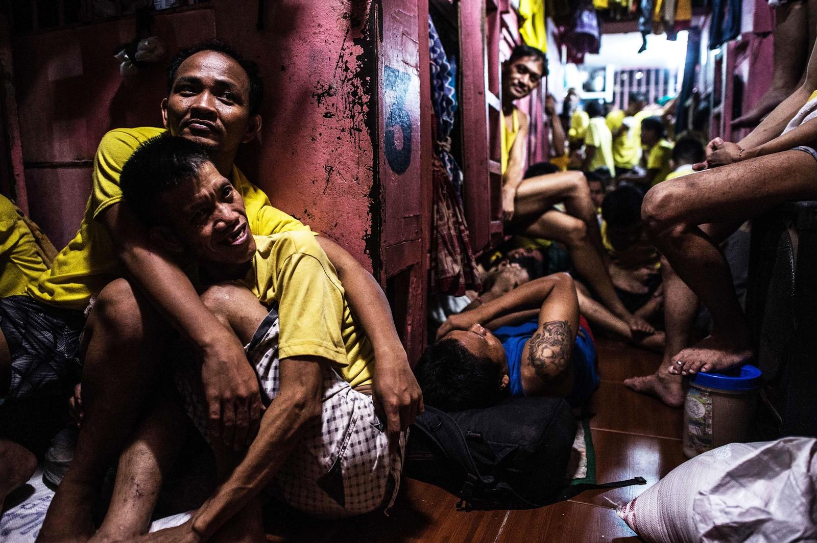 Fengselsledelsen har ti kroner dagen på å kjøpe mat til fangene i Quezon City-fengselet.