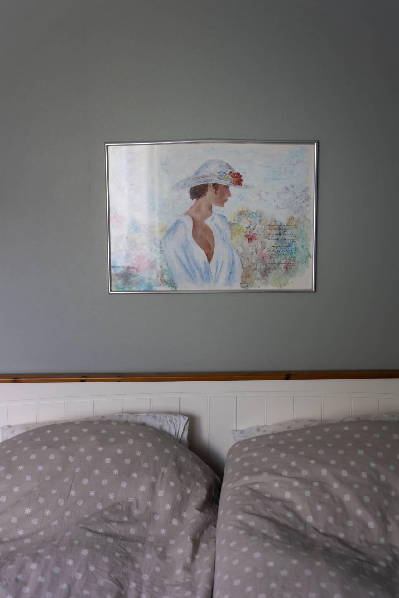 Monica er glad i å male, bildet på soverommet har hun malt selv