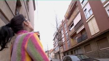 I Spania står over 3 millioner boliger tomme over fem år etter at boligboblen sprakk. Samtidig har flere hundre tusen famililer behov for et sted å bo. Nå vil kommuner straffe banker som ikke leier ut boliger de ikke får solgt til en billig penge.