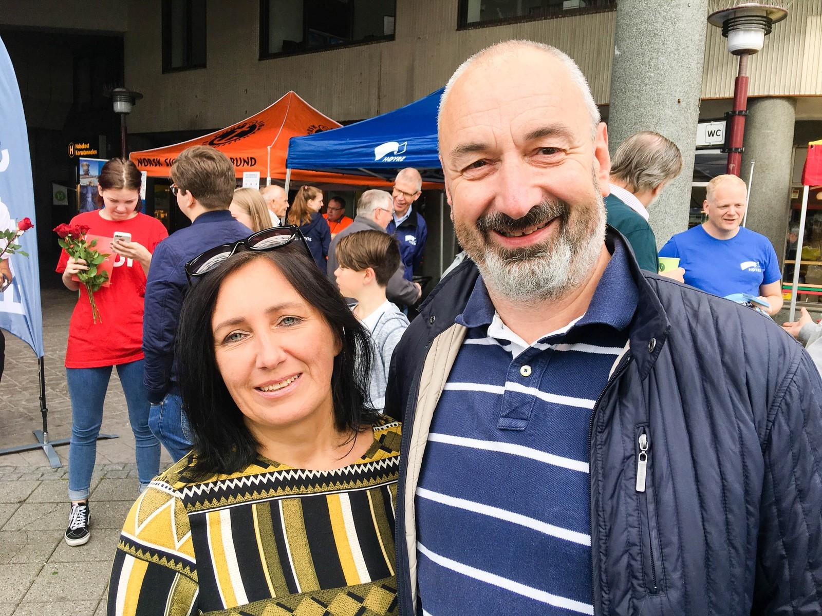 Ausra Borkertiene og Cato Malmedal møtte politikerne for å få vite mer om politikken til de ulike partiene.
