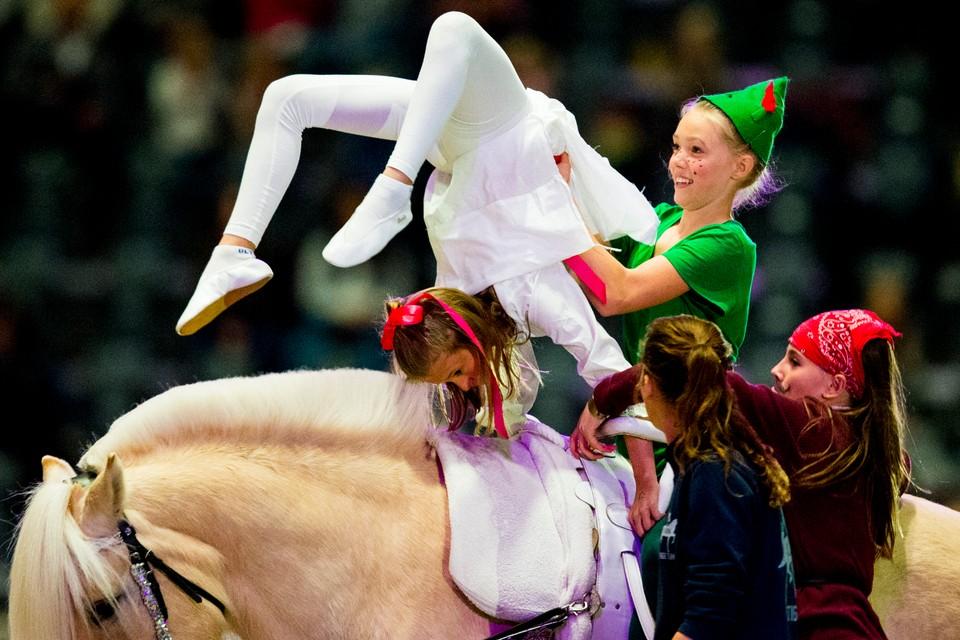 Nå · VM hestesport: Voltige, sammendrag fra natten