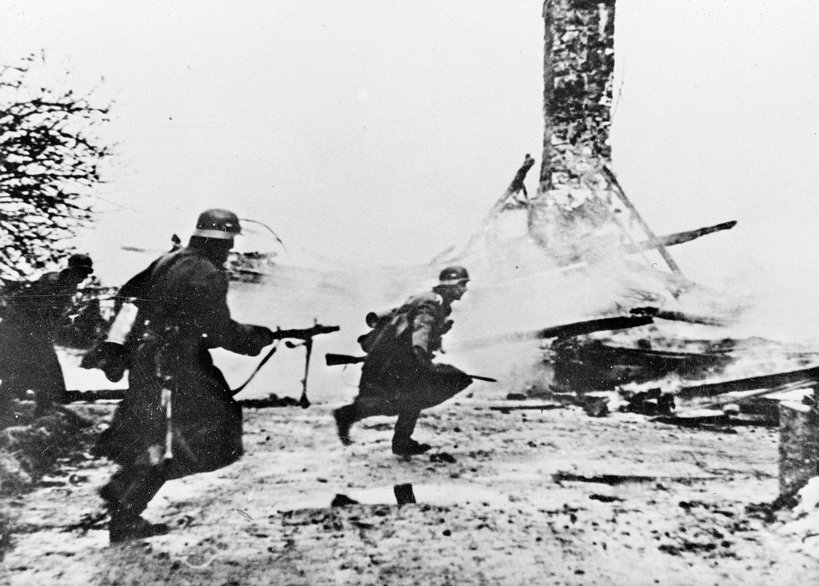 Det var kamper i Sør-Norge etter den tyske invasjonen, her fra Haugsbygd på Ringerike.