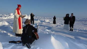 Børge Ousland gifter seg på Nordpolen