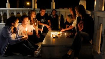 Unge i Halden tenner lys for Utøya-venner