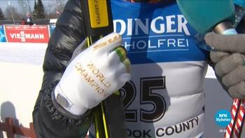 Johannes Thingnes Bø viste VM-form i Presque Isle, men gull-hanskene hans brakte trøbbel under dagens sprint.