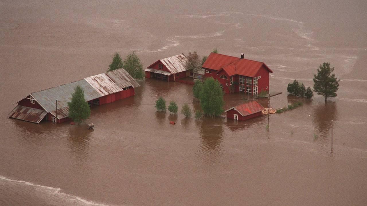 Denne gården i Heradsbygd i Elverum kommune ble hardt rammet under flommen i 1995.