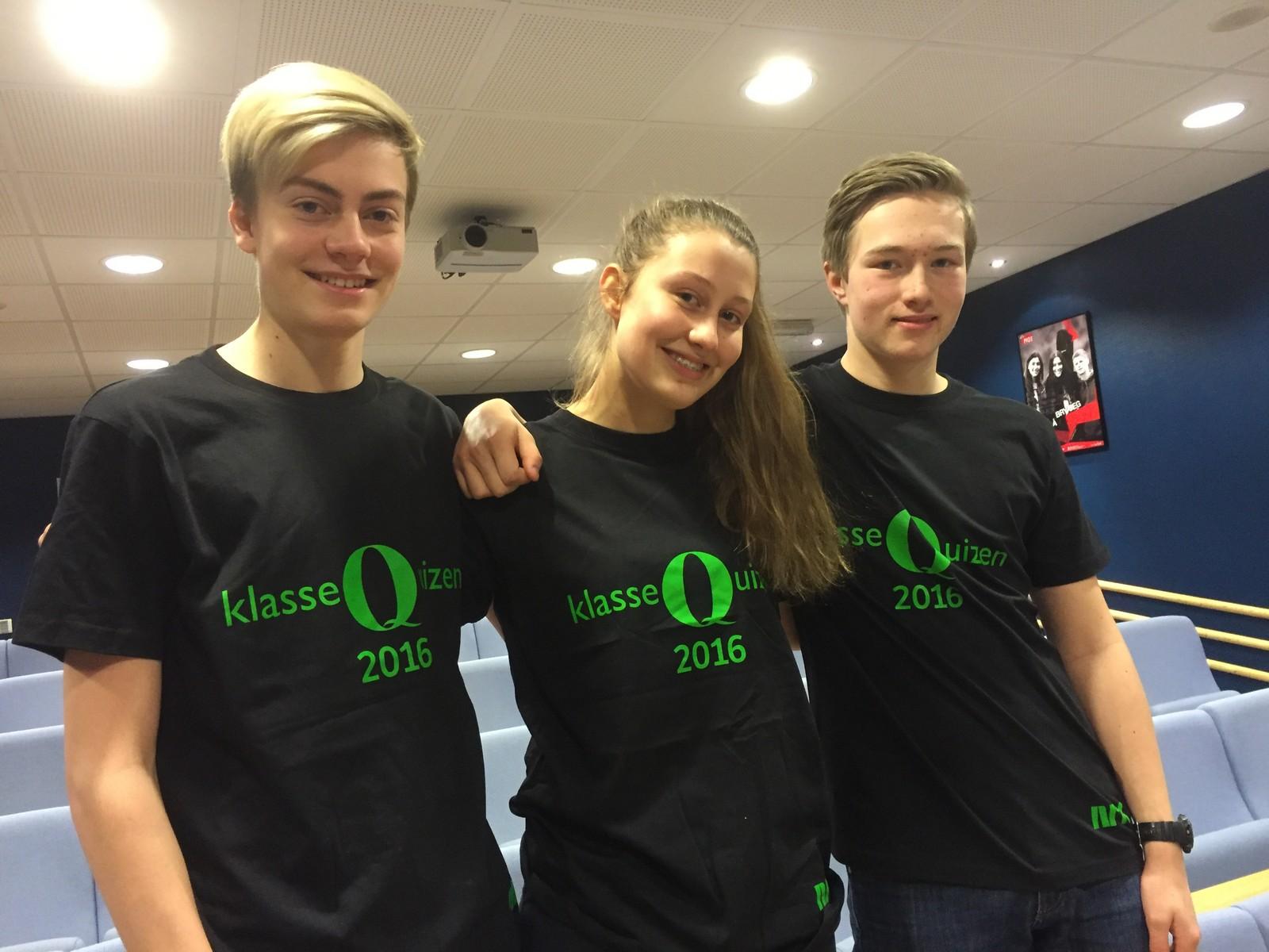 Simen Blankeborg Berge, Oda Marie Berge Lostuen og Marius Svendstad ved Vinstra ungdomsskole klarte ni rette i Klassequizen