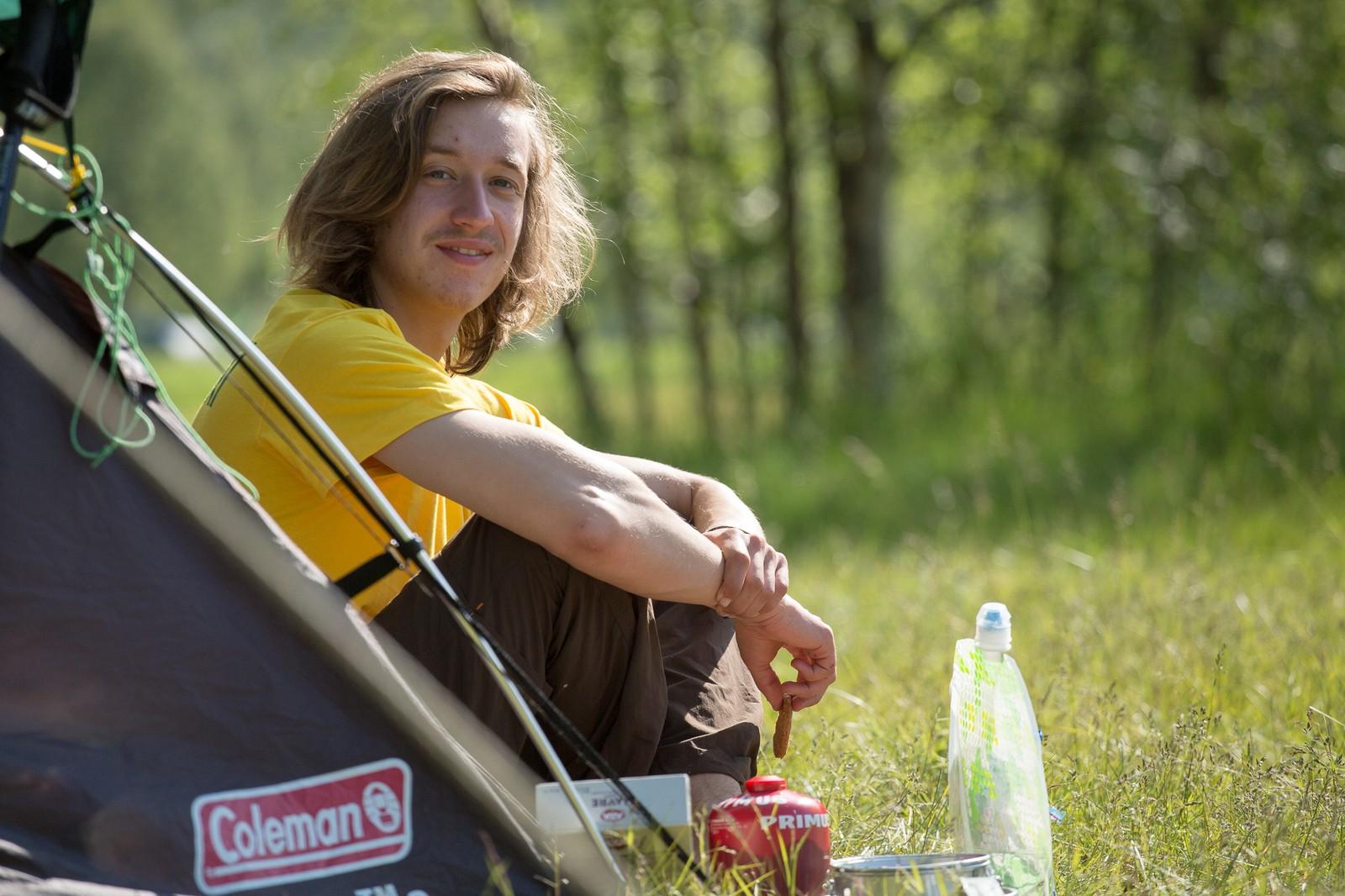 Martin Thalhammer har tatt turen helt fra Østerrike til Manndalen for å delta på Riddu-festivalen.