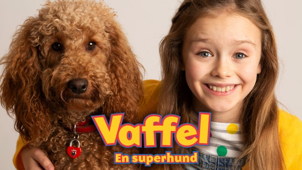 Livet til familien Bjelle-Klang blir ikke det samme når superhunden Vaffel flytter inn. Britisk dramaserie.