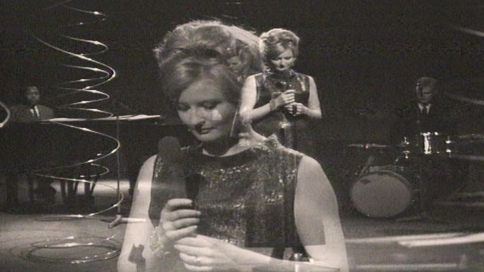 Karin Krog synger