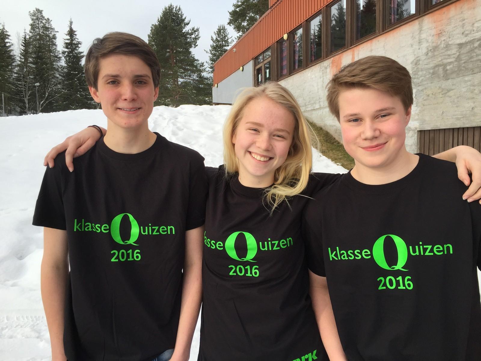Morten Pedersen Hauger, Thea Fløistad Uvaas og Oscar Fjeld ved Raufoss ungdomsskole fikk fem poeng.