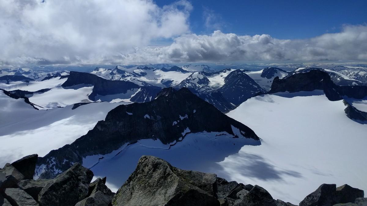 hva heter sveriges høyeste fjell