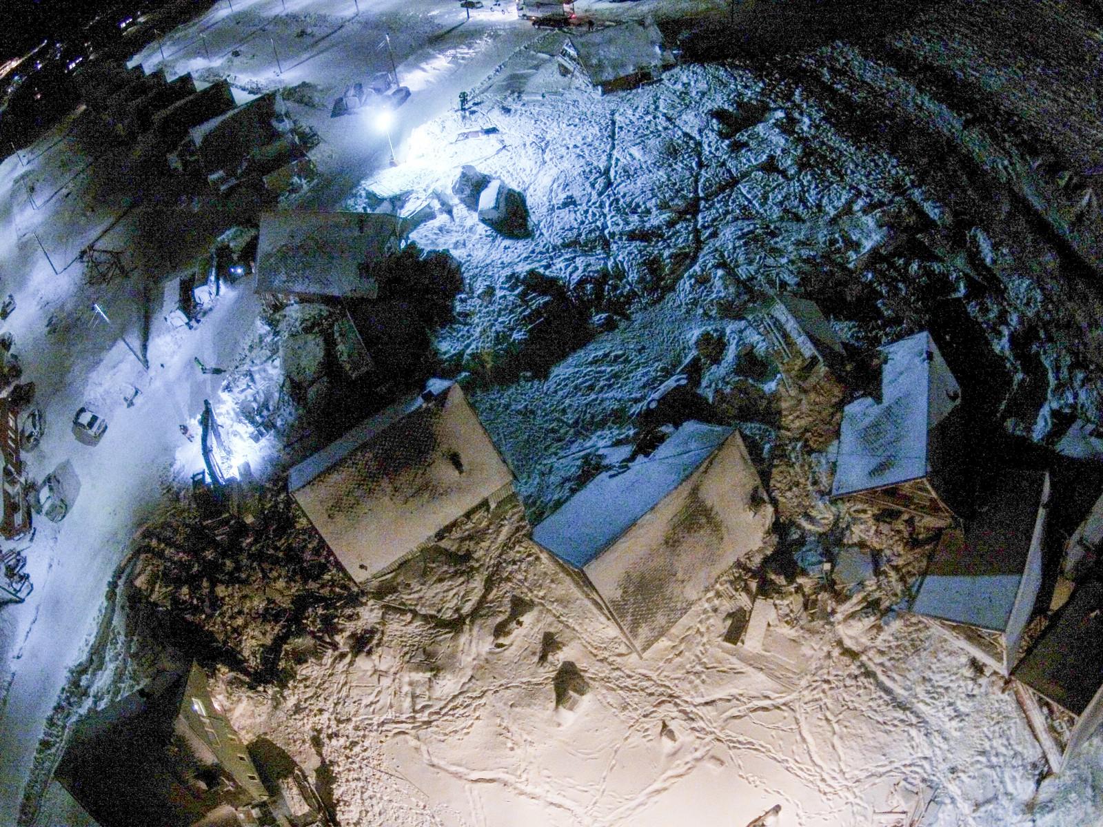 Dronebilder fra raset i Longyearbyen