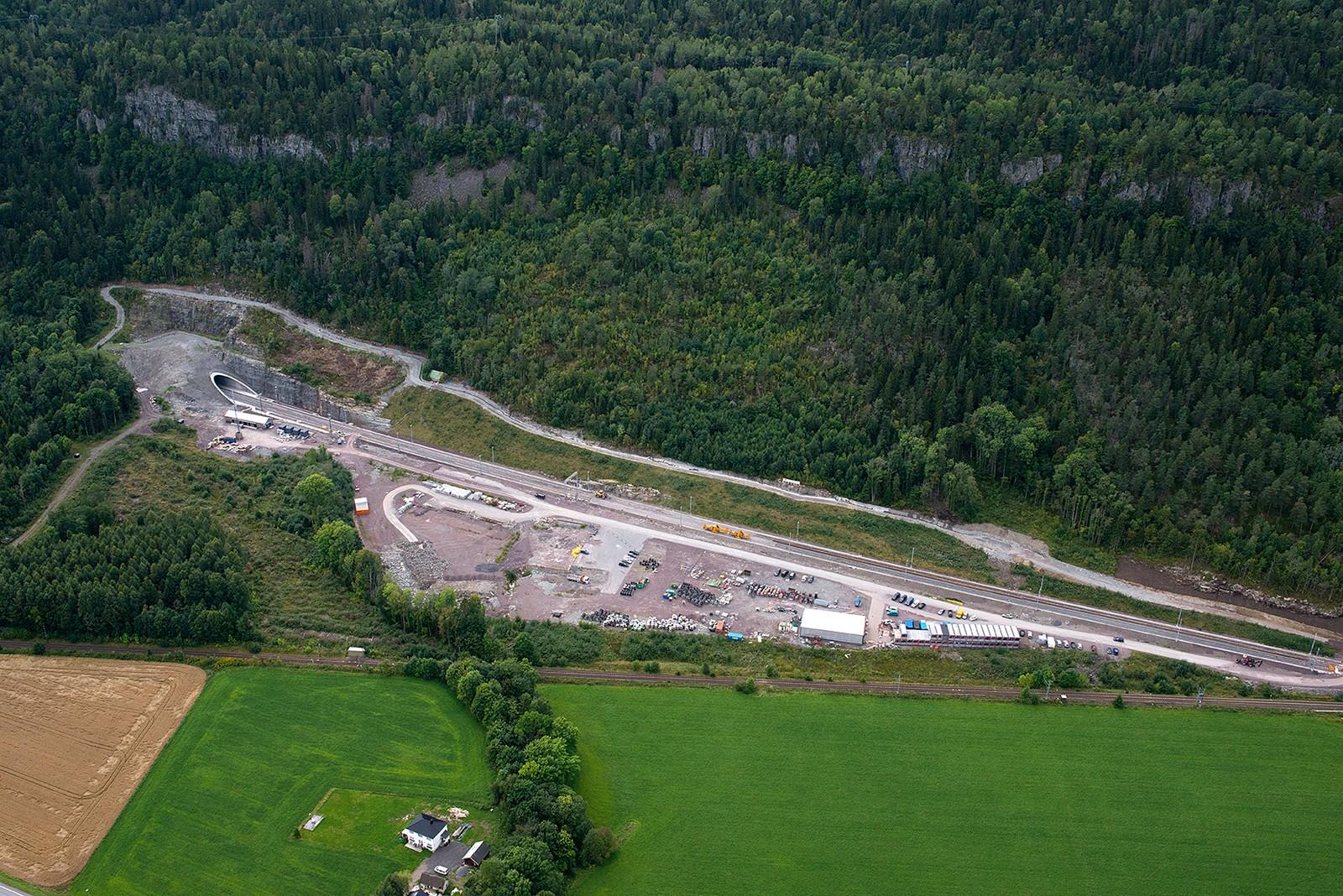 Holm: Tunnelportalen i nord
