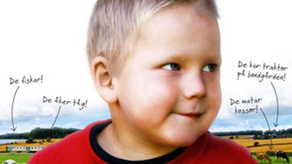 Hva skal Elias gjøre i dag? Det er skatter å finne, dyr å hilse på og fisker å fange. Alt kan skje i Elias verden. Da er det fint at pappa vil være med! Svensk barneprogram på tegnspråk.