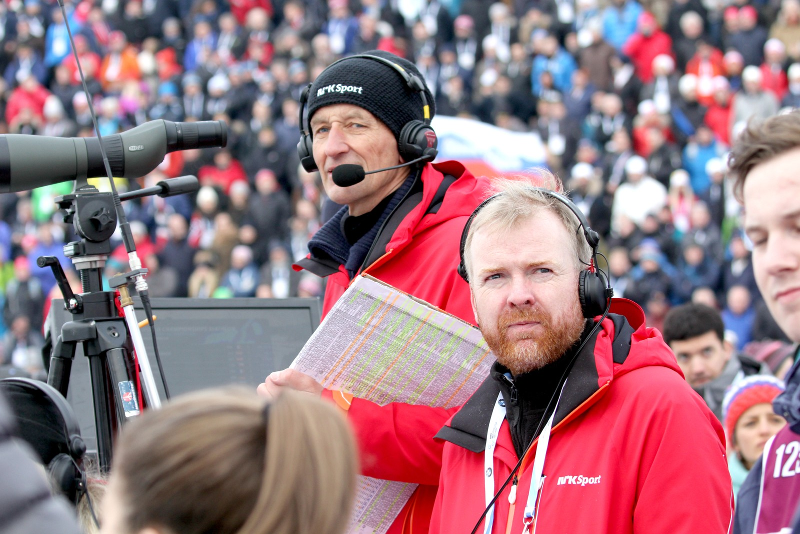 Individual men 10 March. NRK specialist Ola Lunde (left) and head of NRK sports Rune Haug.
