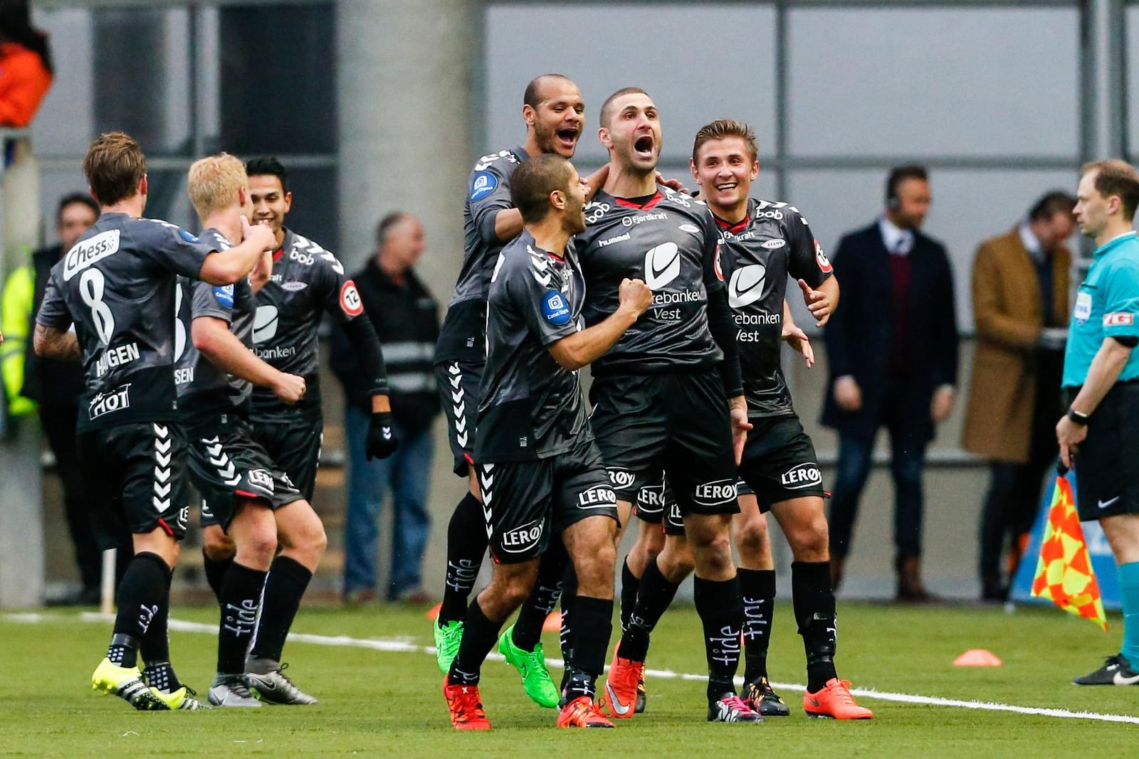 Det ble scoringsjubel også borte mot Aalesund. Karads scoret 2-1-målet da Brann slo hjemmelaget i april.