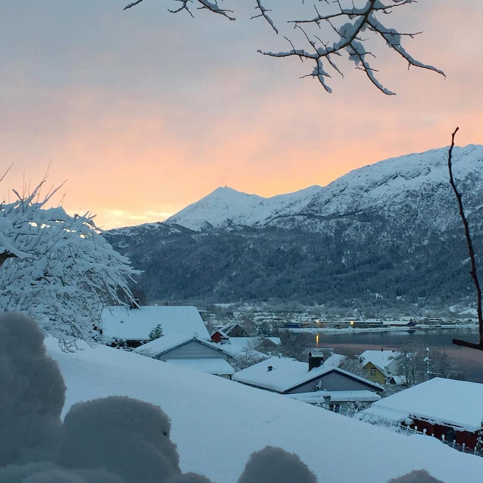 På Nordfjordeid er det skikkeleg vinter.