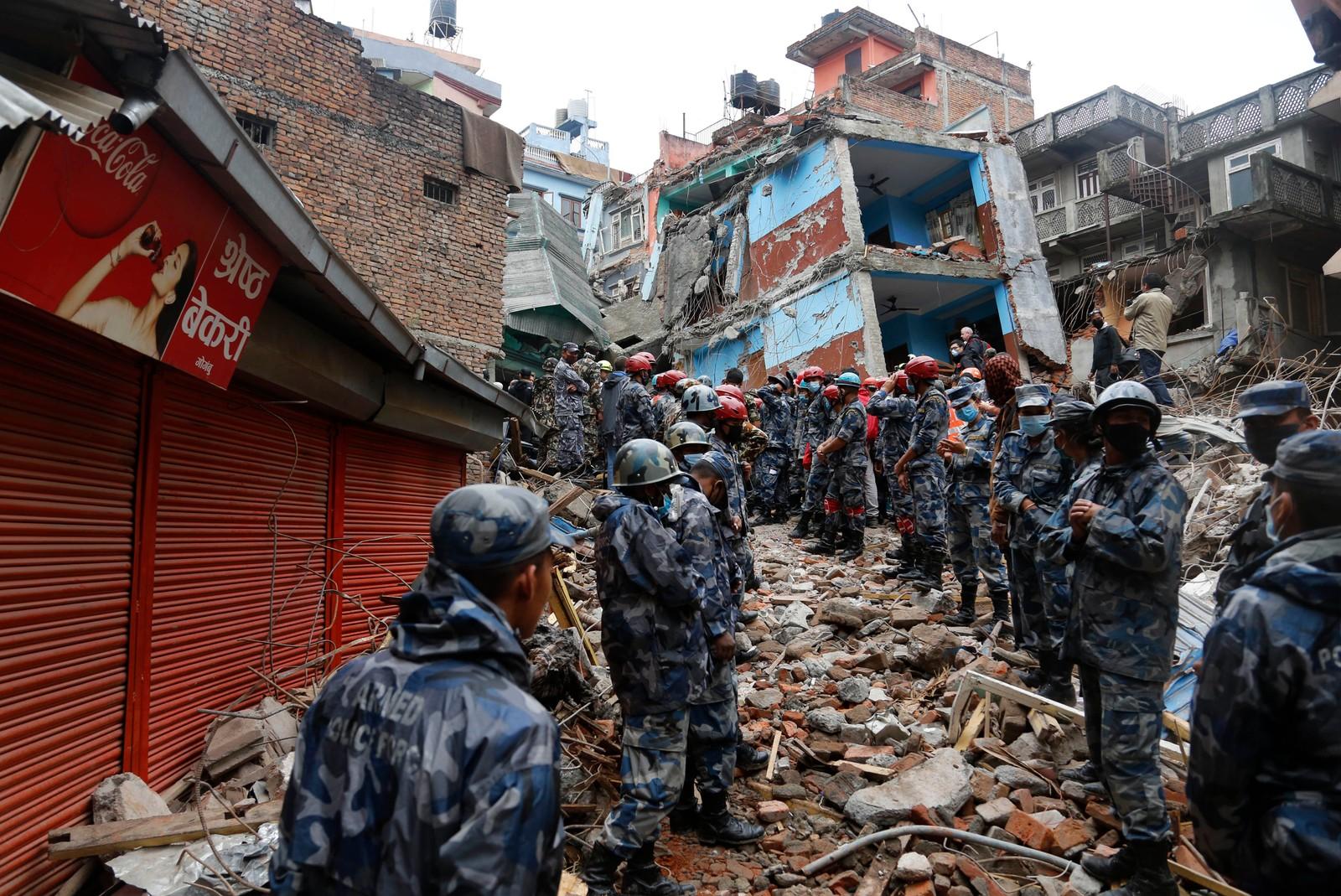 Området 15-åringen lå begravd. AP Photo / Manish Swarup)